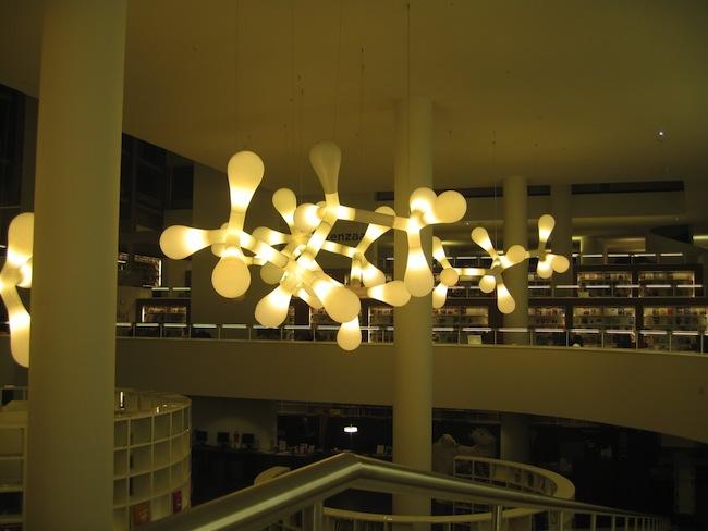Biblioteka-w-amsterdamie-przyjazna-czlowiekowi-aranzacja-projekt-66