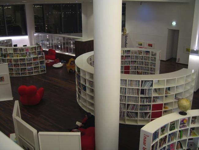 biblioteka-amsterdam-przyjazna-czlowiekowi-aranzacja-projekt-1