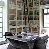Biblioteczka w przesztrzeni narożnej ściany