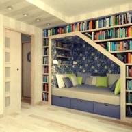 Biblioteczka naokoło wnęki sypialnej