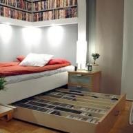 Biblioteczka w szufladzie pod łóżkiem