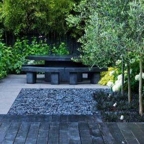 Malutkie patio z miejscem do siedzenia