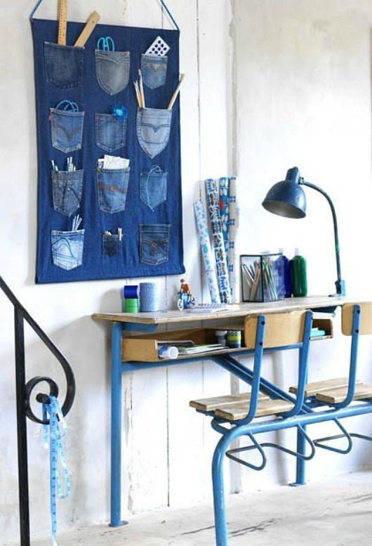 Ciekawy pomysł na tablicę za biurkiem dla np. nastoletniego chłopaka :D