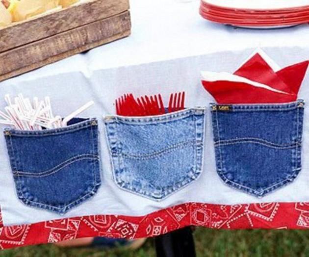 Oderwane jeansowe kieszenie - świetne miejsce na sztućce przy stole ogrodowym - nie odlecą z wiatrem - gwarantowane!