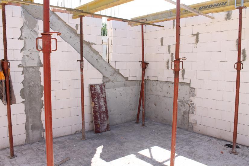 przygotowanie_konstrukcji_pod_schody_wspornikowe