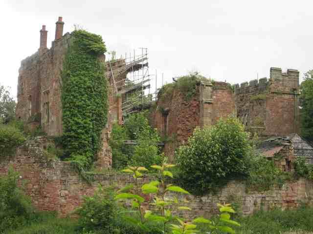 Astley_Castle_przebudowa_zamku_architektura_konserwacja_zabytkow_1