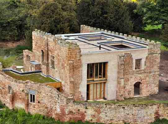 Astley_Castle_przebudowa_zamku_architektura_konserwacja_zabytkow_widok_z_lotu_ptaka