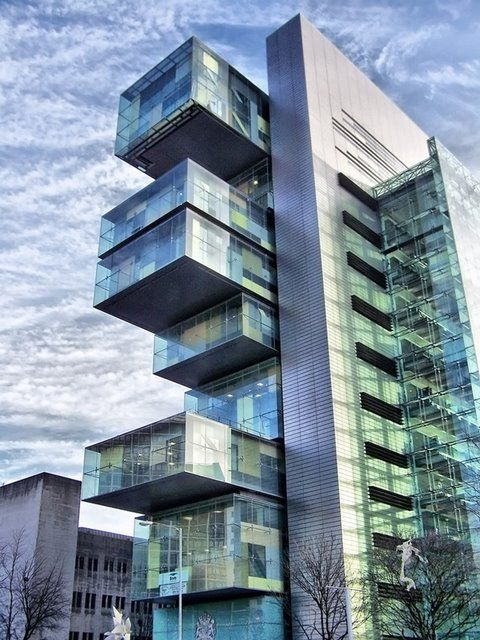 Manchester Civil Justice Centre, Projekt: Denton Corker Marshall, Anglia
