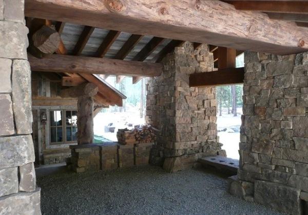 drewniany_dom_drewniana_rezydencja_z_drewna_i_kamienia_dom_z_bali_nad_jeziorem_Headwaters_camp_residence_11