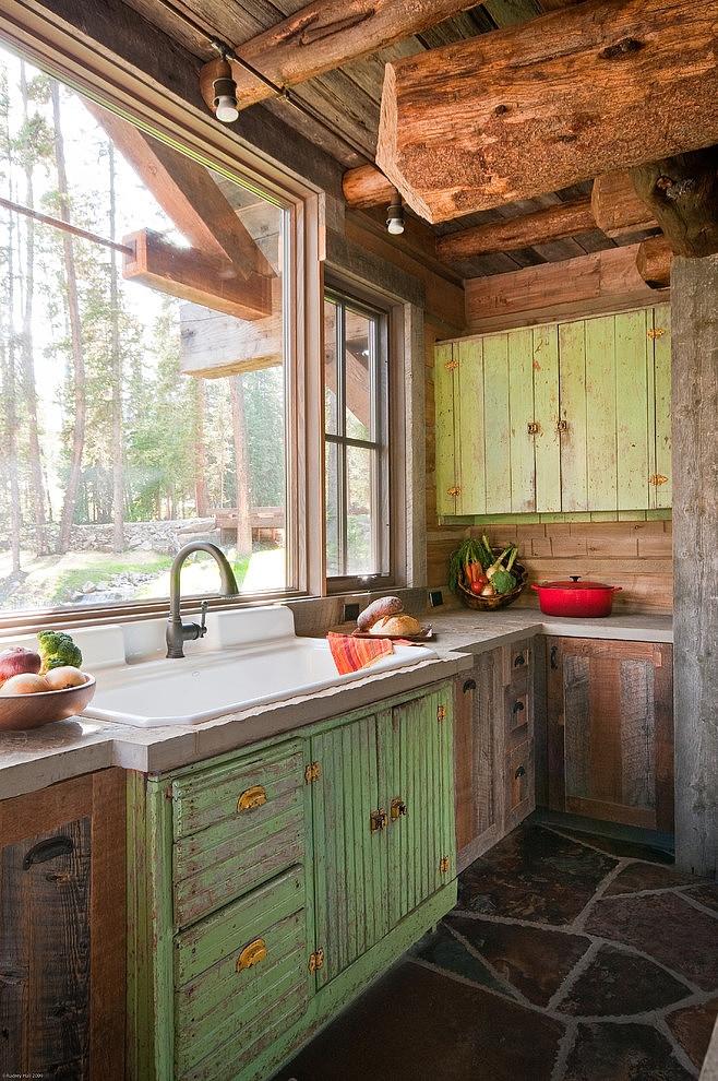 drewniany_dom_drewniana_rezydencja_z_drewna_i_kamienia_dom_z_bali_nad_jeziorem_Headwaters_camp_residence_4