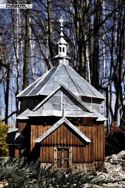 modele_cerkwi_kosciolow_muzeum_bieszczady_myczkowce_pani_dyrektor_dawno_temu_w_domu_foto_by_puchyr_architects011