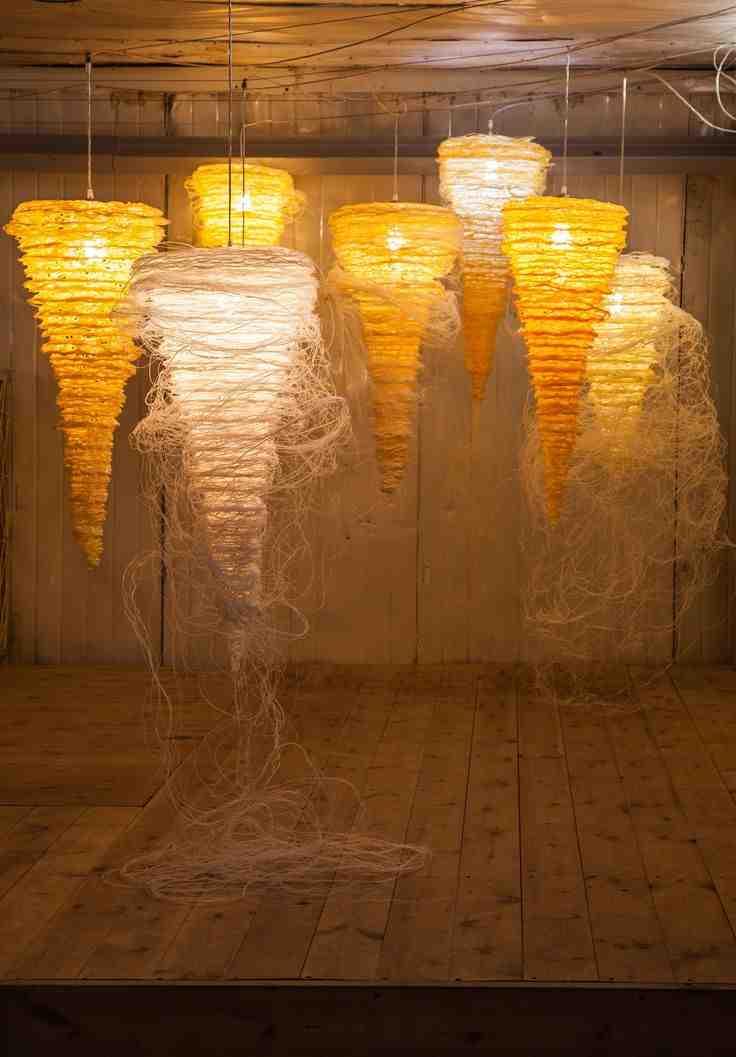 Pomysłowy projekt lamp o nietypowym kształcie.