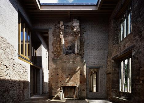 Projekt architektów nie zaburza harmonii całego zamku.