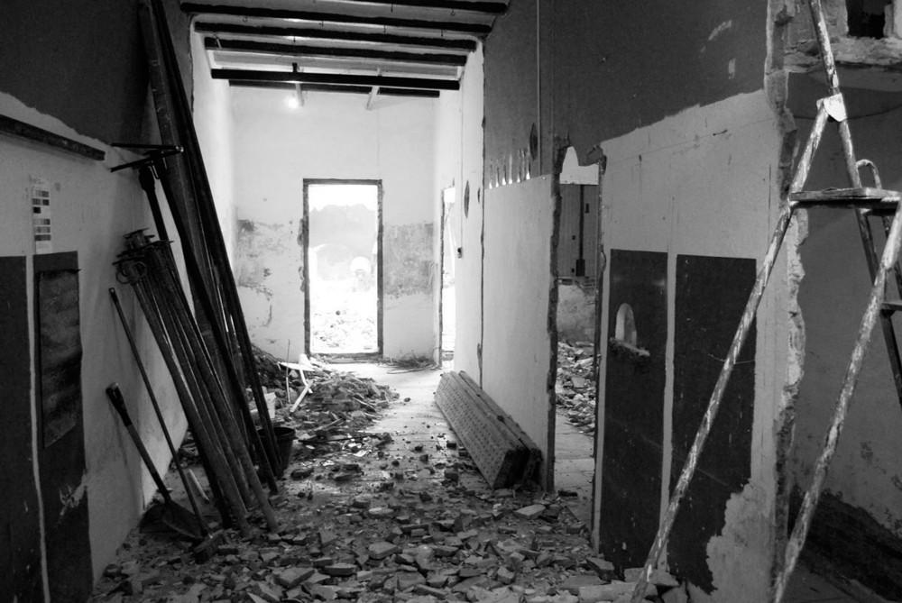 Miejsce po starej pralni zostało odbudowane i przekształciło się w miejsce do zamieszkania._dom_plomba