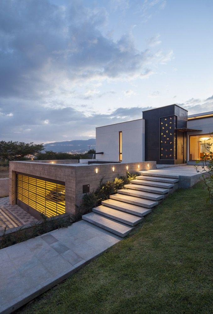 Architektura kt rej u nas tak bardzo brak ep 2 30 dom w for Best house designs for steep block