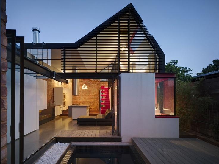 nowoczesne_domy_z_dachem_dwuspadowym_wielospadowym__modne_budynki_11