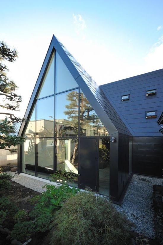 nowoczesne_domy_z_dachem_dwuspadowym_wielospadowym__modne_budynki_20