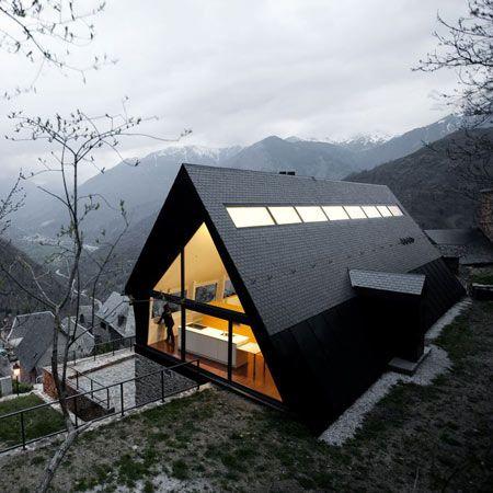 nowoczesne_domy_z_dachem_dwuspadowym_wielospadowym__modne_budynki_4