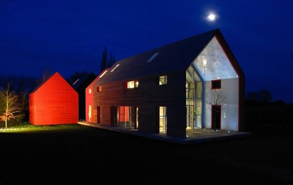 nowoczesne_domy_z_dachem_dwuspadowym_wielospadowym__modne_budynki_6