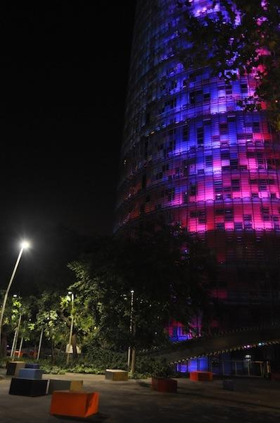 torre_agbar_wieżowiec_nowoczesny_hiszpania_barcelona_wspolczesna_architektura-w_mieście_12