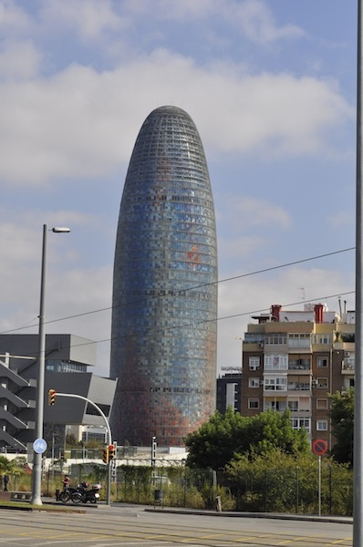 torre_agbar_wieżowiec_nowoczesny_hiszpania_barcelona_wspolczesna_architektura-w_mieście_17