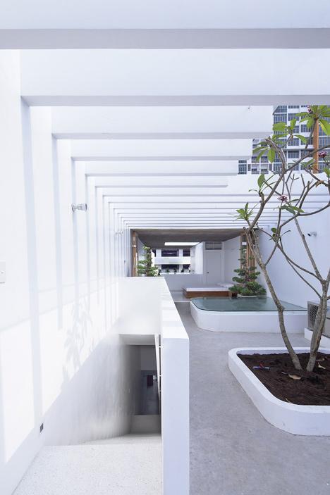 wąski_dom_Bardzo ciekawy projekt wietnamskich architektów przyciąga uwagę swoim designem.
