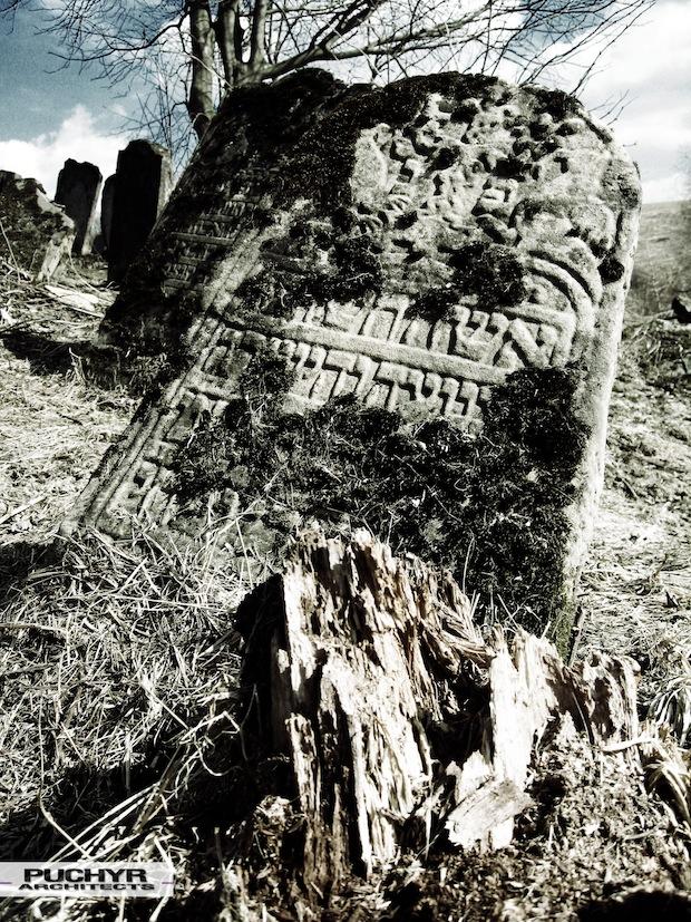 Cmentarz_Zydowski_w_lutowiskach_opuszczony_zaniedbany_kirkut_8