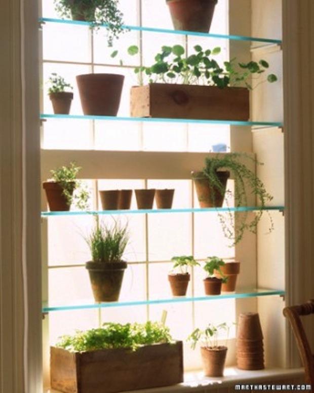 DIY_architekta_zrób_to_sam_pomysly_wnetrza_polki_na_rosliny_w_oknie