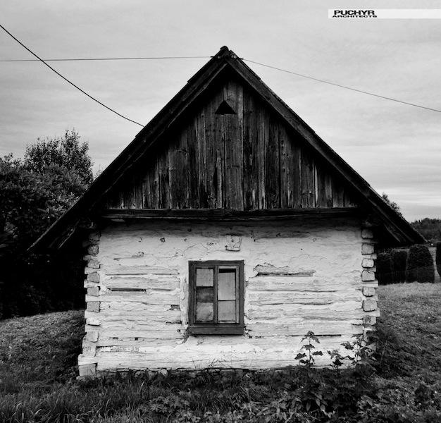 drewniany_dom_z_bali_tradycyjny_architektura_drewniana_regionalna_polska_4