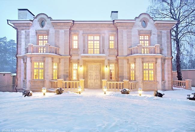 _eleganckie_domy_wille_palace_klasyczne_bogata_pod_moskwa_1