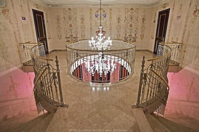_eleganckie_domy_wille_palace_klasyczne_bogata_pod_moskwa_2