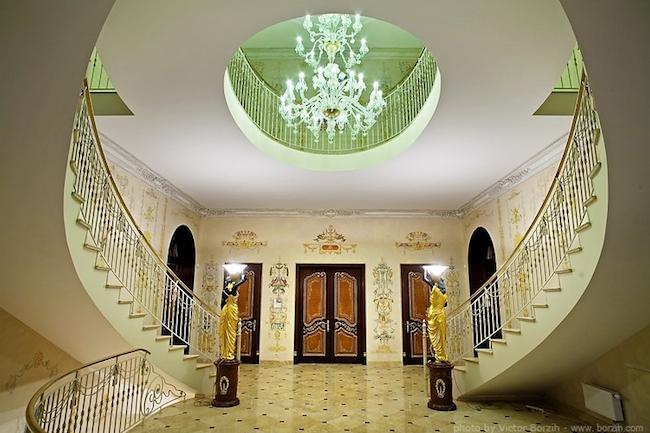 _eleganckie_domy_wille_palace_klasyczne_bogata_pod_moskwa_3