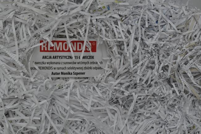 meble-wykonane-z-odpadkow-ze-smieci-segregowalnych-recyklingowy-design-1