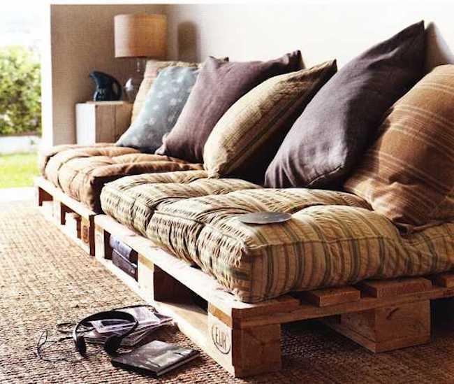 palety_w_domu_design_zastosowanie_europaleta_we_wnetrzu_kanapy_DIY_zrob_to_sam_lozka_kanapy_fotele_13