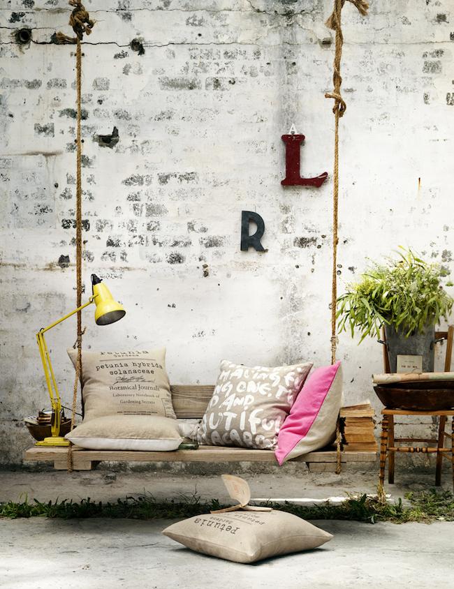 palety_w_domu_design_zastosowanie_europaleta_we_wnetrzu_kanapy_DIY_zrob_to_sam_lozka_kanapy_fotele_6