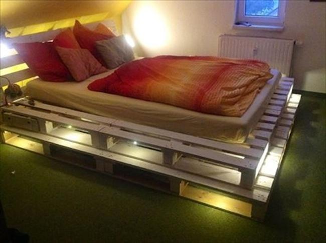 palety_w_domu_design_zastosowanie_europaleta_we_wnetrzu_kanapy_DIY_zrob_to_sam_lozka_kanapy_fotele_9