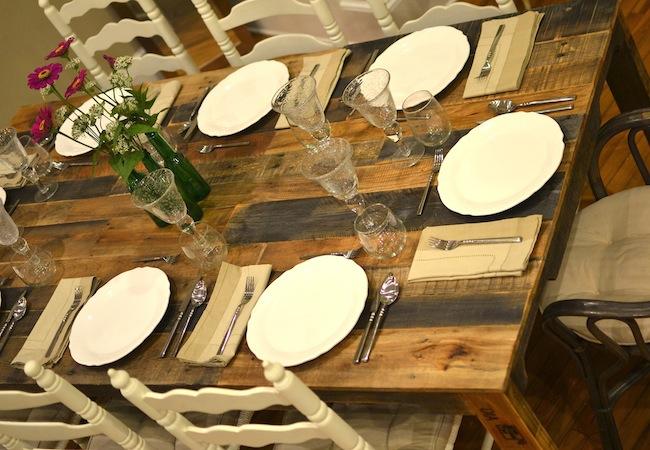 palety_w_domu_design_zastosowanie_europaleta_we_wnetrzu_DIY_zrob_to_sam_stoly_stoliki_biurka_5