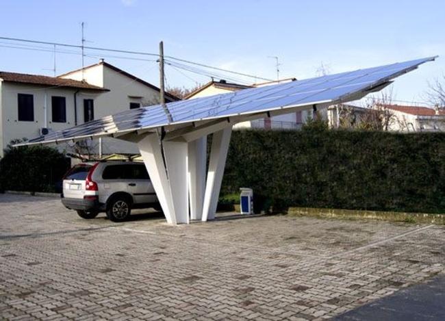 parkingi_z_ogniwami_fotowoltaicznymi_dla_domu_wiata_1