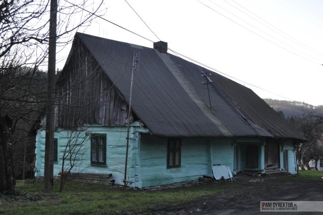 Liszna-drewniany-domek-z-bali-historyczny-dawo-temu-w-domu-21