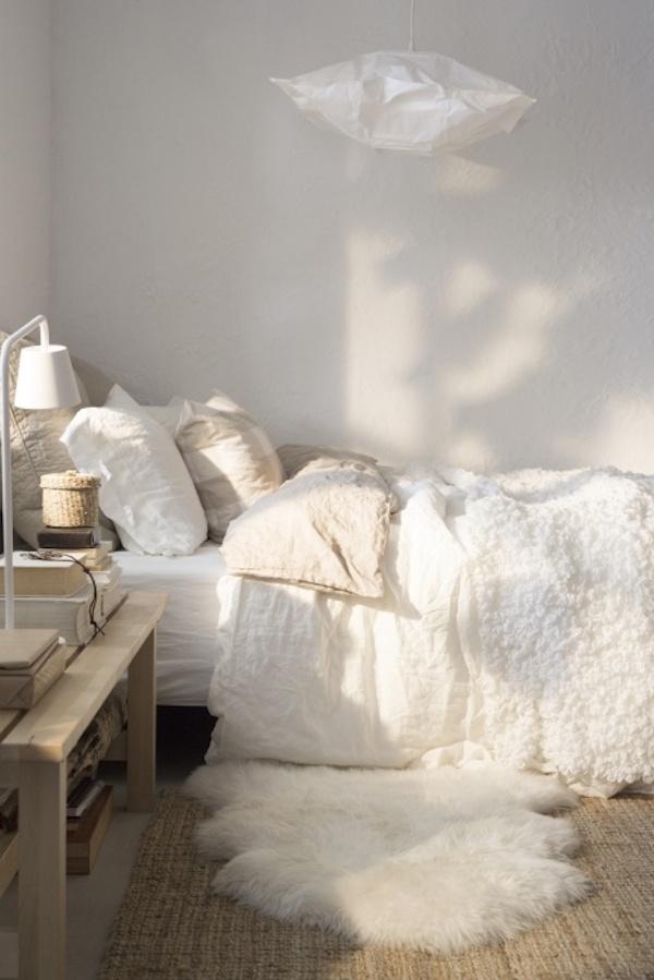jak-stosowac-kolory-we-wnetrzu-biały-we_wnętrzu_inspiracje-pomysly-sypialnia-1a