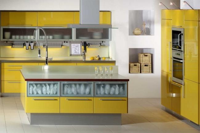 jak_stosować_kolory_we_wnętrzu_kolor_żółty_we_wnętrzu_żółte_wnętrze_kuchnia_4b
