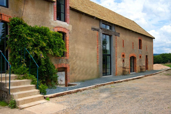 przebudowa-stodoly-na-dom-jak-odbudowac-stodole-konserwacja-unikatowy-dom-1