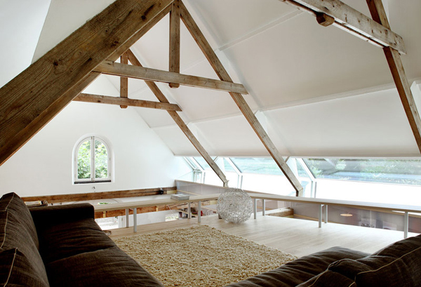 przebudowa-stodoly-na-dom-jak-odbudowac-stodole-konserwacja-unikatowy-dom-4