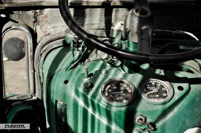 Moje-kochane-maszyny-budowlane-traktor-URSUS-romantyczny-widok-w-polu-22