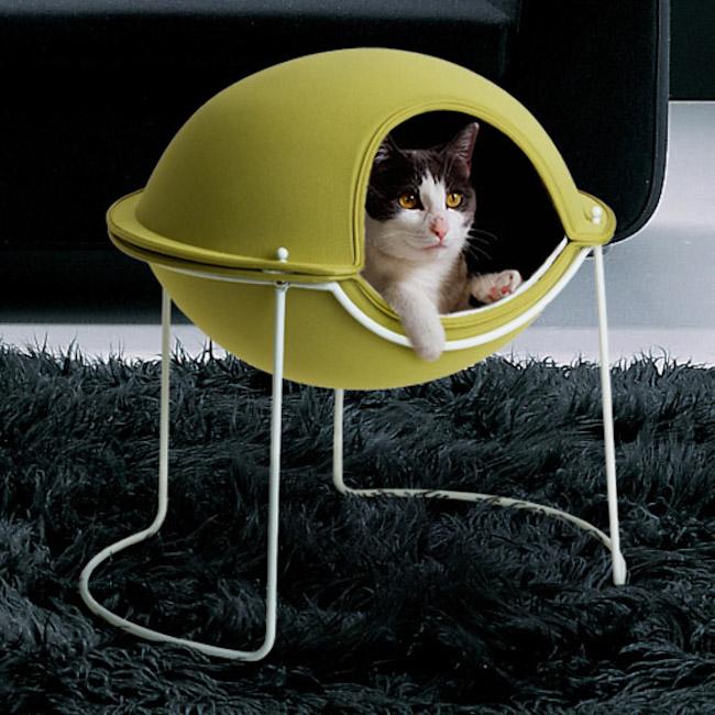 modne-designerskie-zabawki-dla-kota-w-modnym-wnetrzu-kocie-meble-20