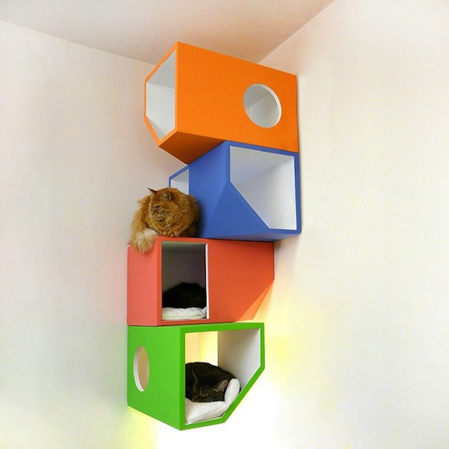 modne-designerskie-zabawki-dla-kota-w-modnym-wnetrzu-kocie-meble-8