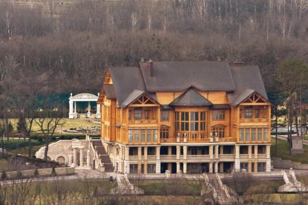 luksusowe-wille-i-pałace-domy-jak-wygladaja-nieruchomosci-wiktora-janukowicza-prezydenta-ukrainy-2193