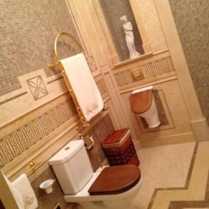 Druga nieco skromniejsza łazienka.
