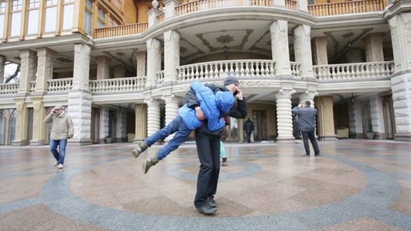 wille-palace-domy-jak-wygladaja-domy-wiktora-janukowicza-po-wejsciu-rewolucjonistow-relacja-4