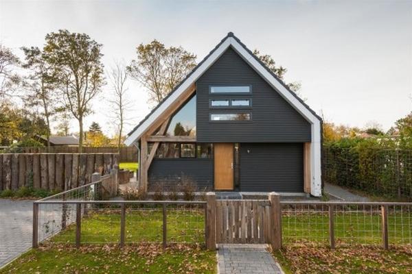 nowoczesny-dom-z-dachem-dwuspadowym-30-45-stopni-stromym-design-architektura-mieszkaniowa-1